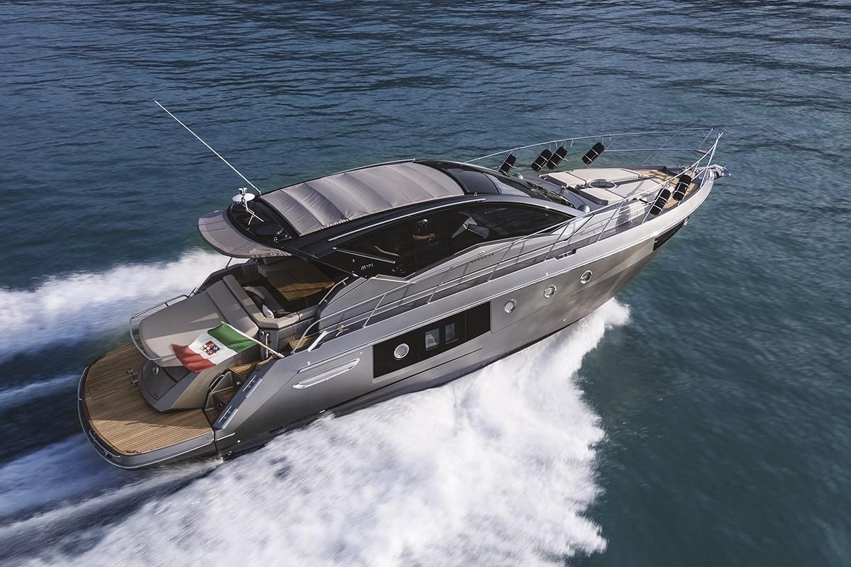 Barche a motore: cabinata