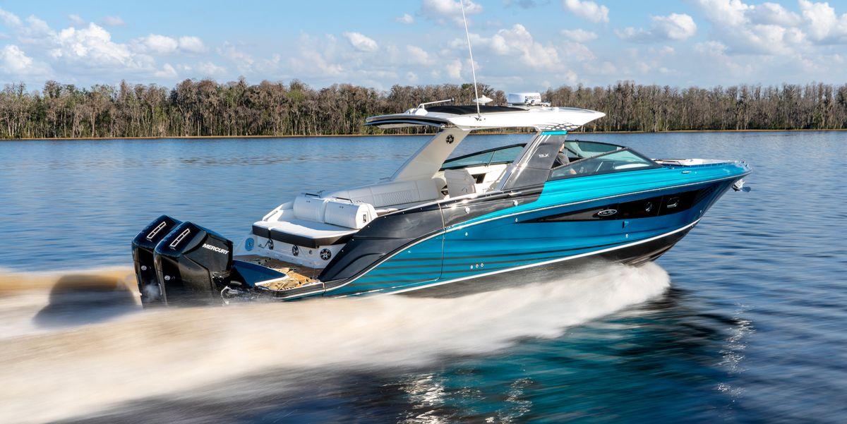 barca con motori fuoribordo
