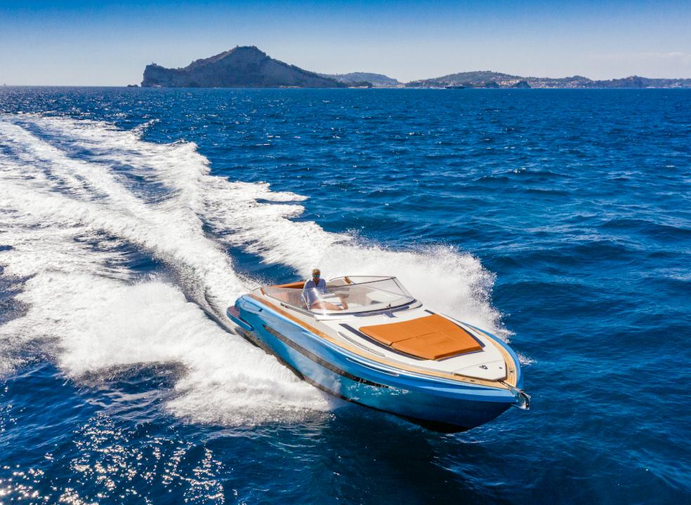 Evo Yachts - T3