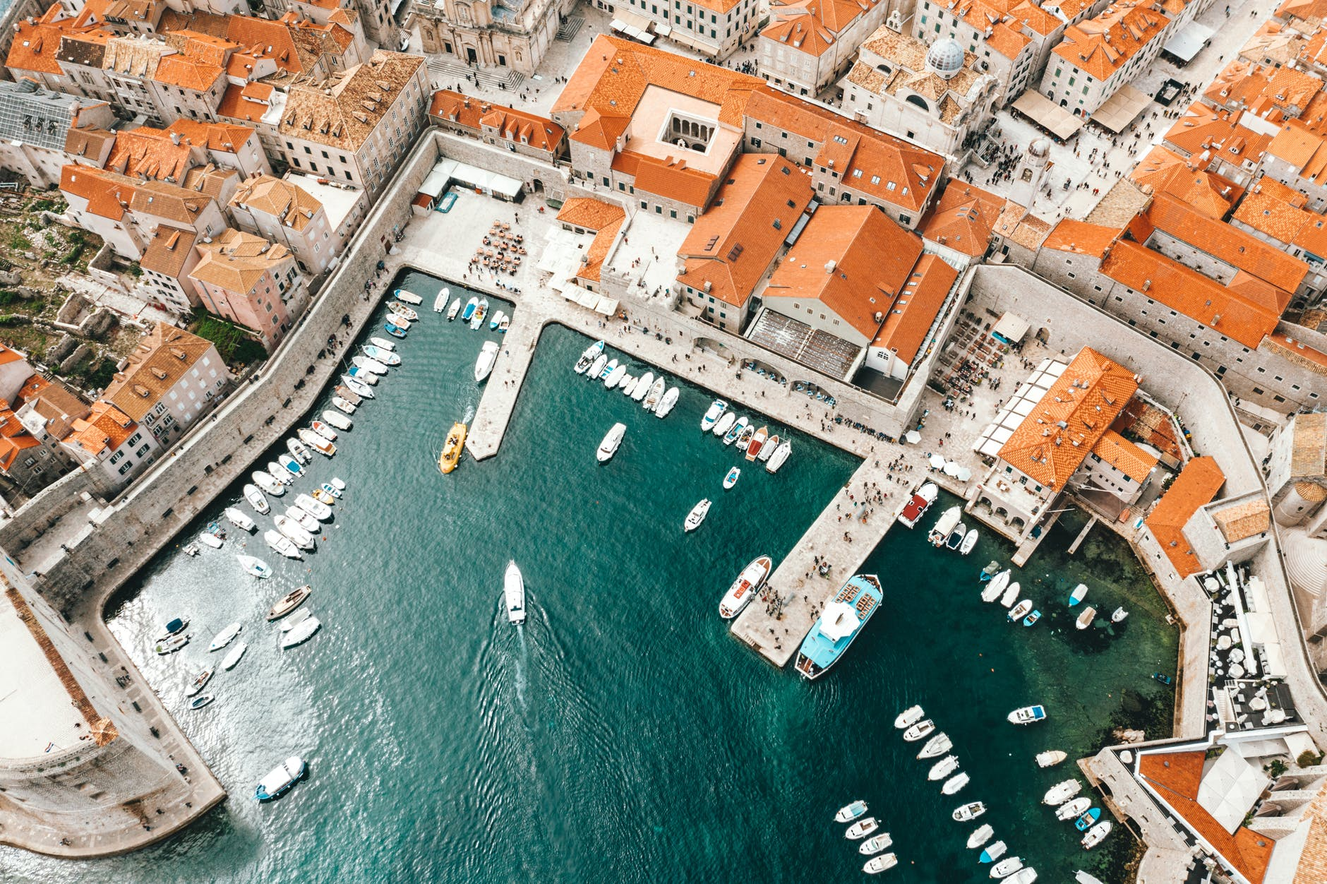 molo-con-barcheDove pubblicare annuncio barca