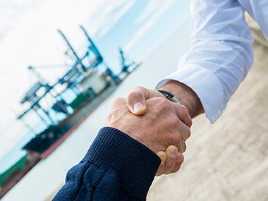 Marina Yacht Sales Foto Marche rappresentate / Prodotti