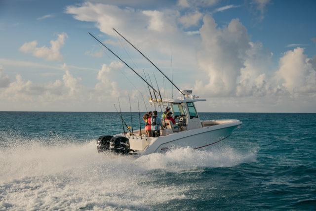 Se ti piace pescare, sul mercato puoi trovare barche da pesca molto interessanti e versatili. Foto: Boston Whaler