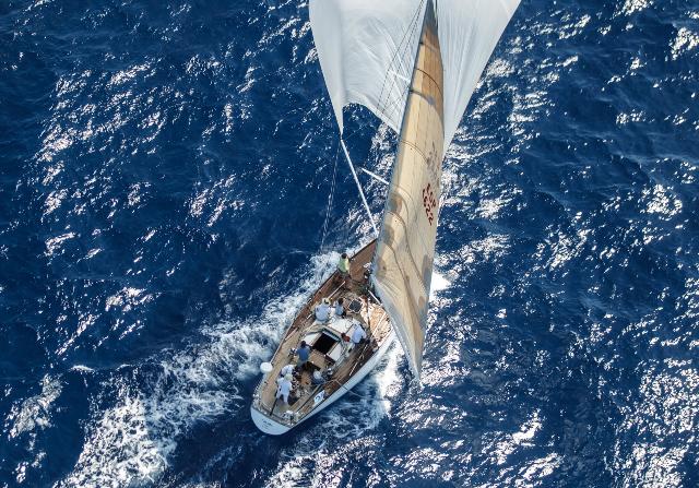 Le situazioni che ti trovi ad affrontare in una regata sono quelle che più ti aiutano a migliorare le tue conoscenze sulla navigazione. // Foto: Martinez Studio.