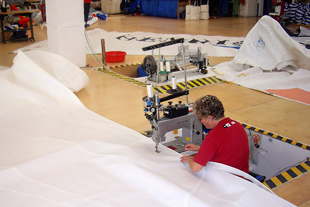 Le riparazioni richiedono manodopera specializzata. Foto: Monica Díaz.