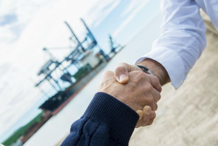 Per completare correttamente il processo di vendita di un'imbarcazione, è importante conquistare la fiducia dell'acquirente sin dall'inizio.
